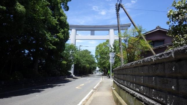 ④021寒川神社二之鳥居
