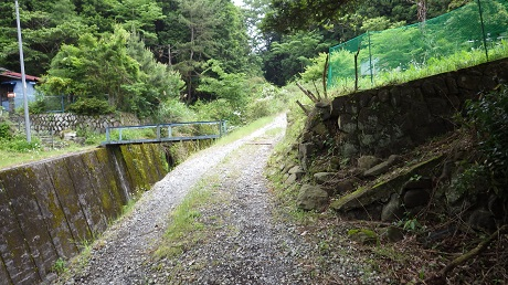 009山道へ道